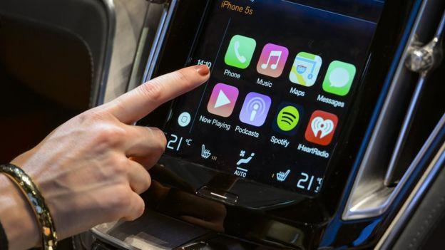 Apple CarPlay ayuda a bloquear varias aplicaciones del iPhone, pero solo en funciona en cierto tipos de vehículos.