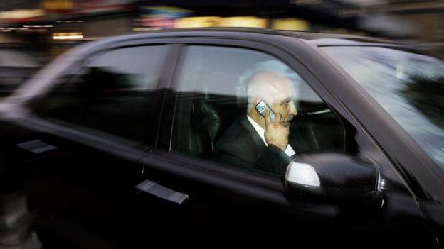 Para las autoridades de tránsito de EE.UU. señalaron que el aumento de accidentes esta relacionado con el uso de teléfonos inteligentes.